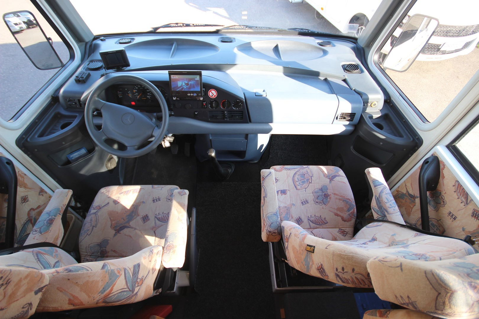 Eura Mobil 726 HS