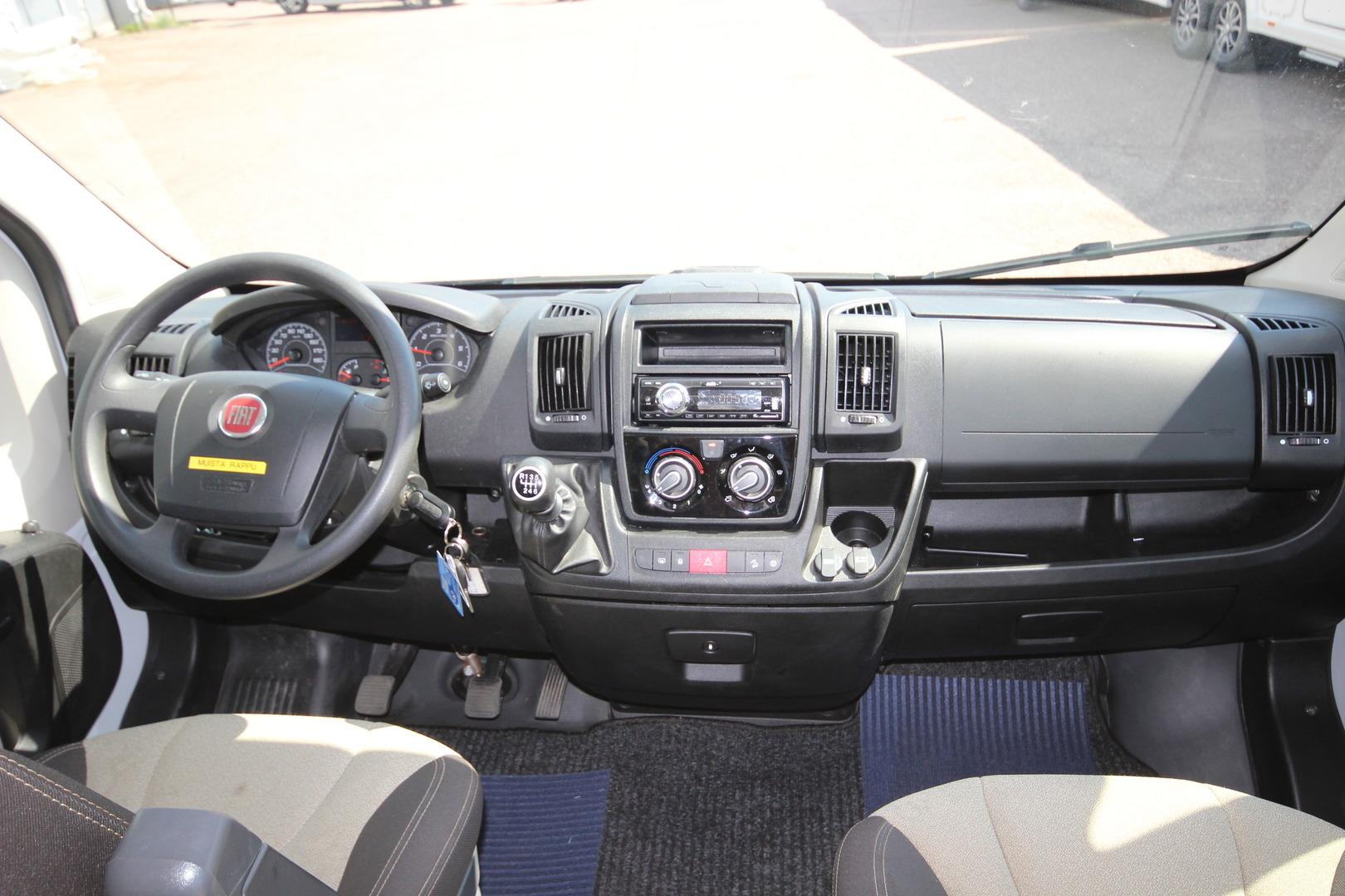 Road Car 640